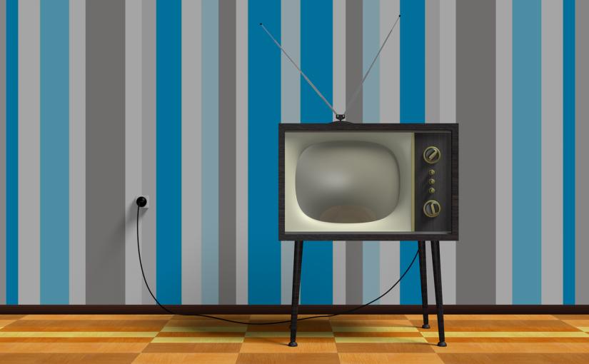 Samotny relaks przed telewizorem, czy też niedzielne filmowe popołudnie, umila nam czas wolny ,a także pozwala się zrelaksować.
